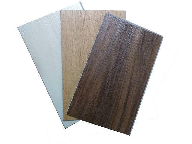 Piso Vinilico J.E. Floor Sistema Clicado Marrom Escuro Espessura 6mm - Foto 5