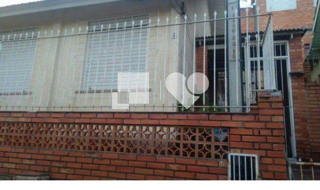 Casa à venda com 2 dormitórios em Jardim carvalho, Porto alegre cod:REO420475