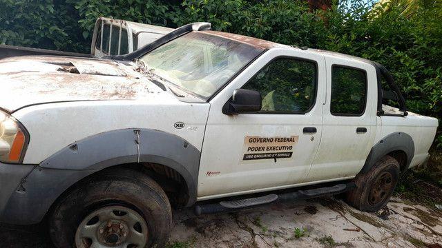 SUCATA DE CAMINHONETES BAIXADA PELO DETRAN - Foto 2