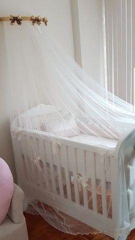 Berço que vira mini cama da Puppi Móbile, muito bem conservado.
