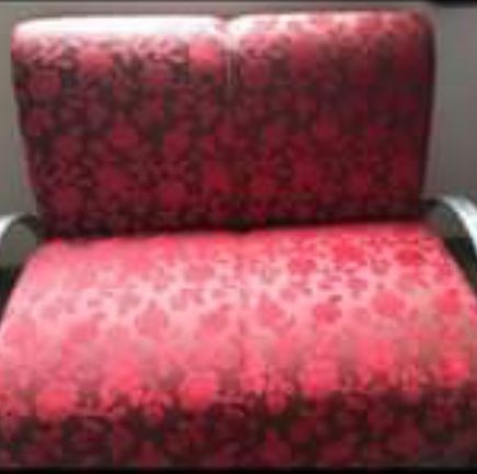 Vende se este sofá dois lugares novo n entrego retirar