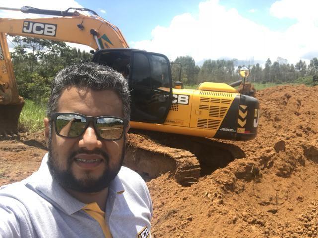 Servico de escavadeira hidráulica
