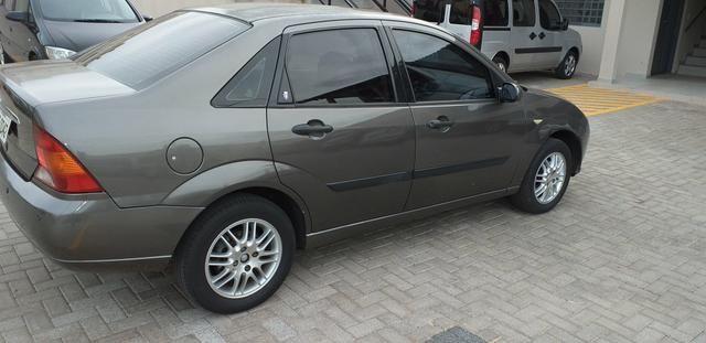 Focus Ghia Sedan 2001 - Foto 7