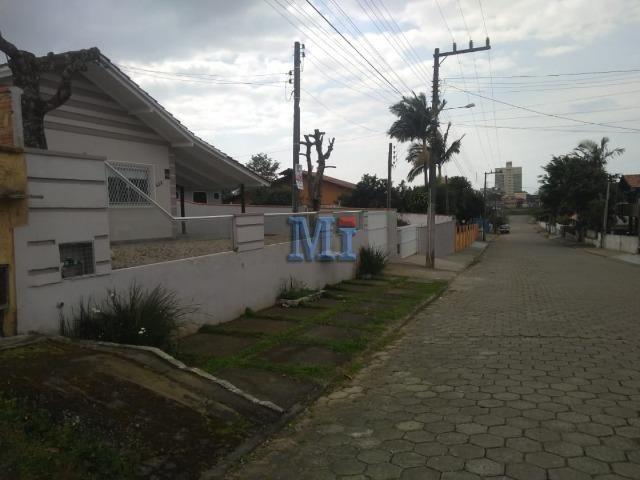 Casa com excelente localização em Barra Velha/SC. Contato: (47) 9  * - Foto 3