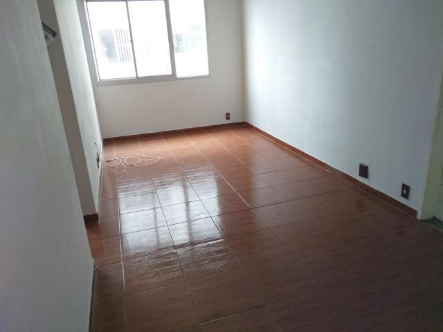 Alugo Todos os Santos apartamento 3 qts 2 banheiros elevador e vaga