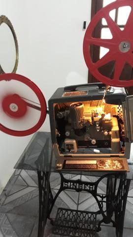 Projetor Bell e howel 16mm