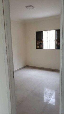 Casa terrea com terreno de 360m² e 160 m² de área construída, imóvel todo reformado - Foto 7