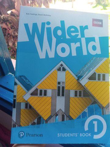 Livro de inglês wider world