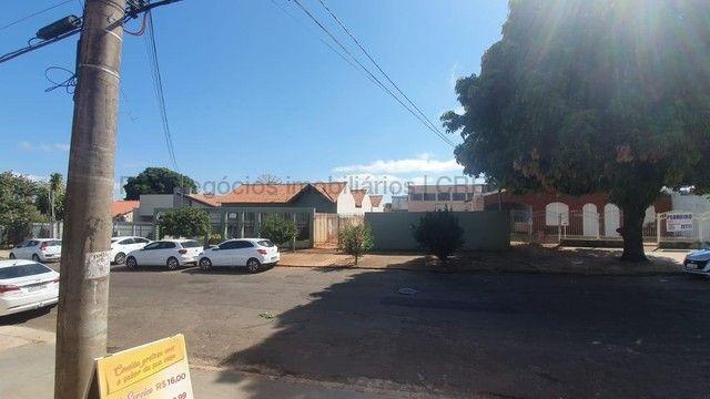 Casa à venda, 3 quartos, 1 suíte, 5 vagas, Centro - Campo Grande/MS