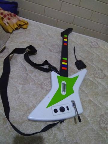 Guitarra xbox guitar hero 3, 5, rock band