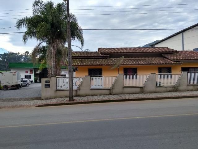 Galpão industrial e comercial, c/ 627,60 m², c/ casa de 192,66 m², valor 1.200.000,00 - Foto 2