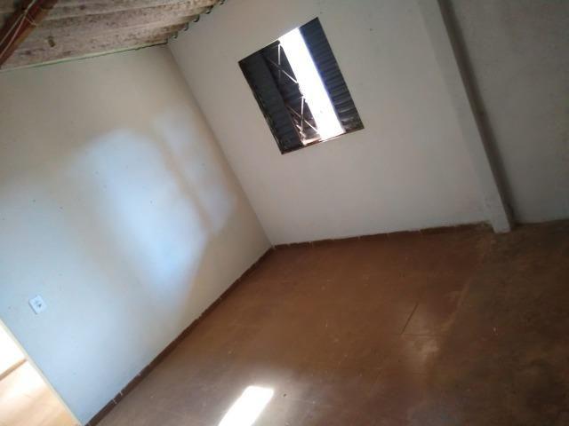 Otimo Lote 300 m² com 2 Barracos Cond. Dom Francisco - Foto 4