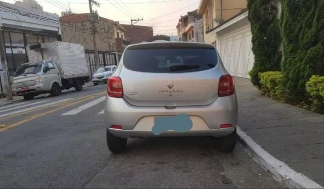 Renault sandero 5.000 - Foto 2