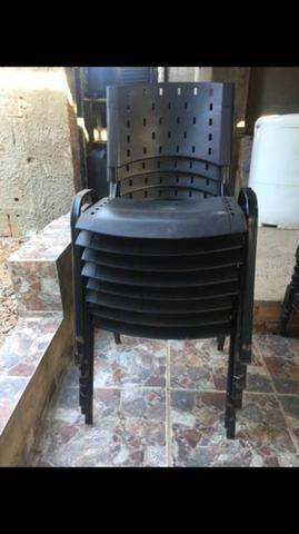 8 baias com 8 cadeiras - Foto 2