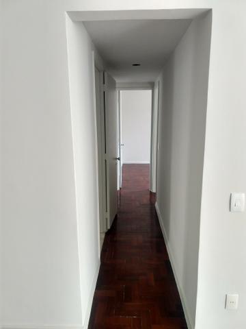 Apartamento quadra praia, Rua Mariz e Barros - Foto 2