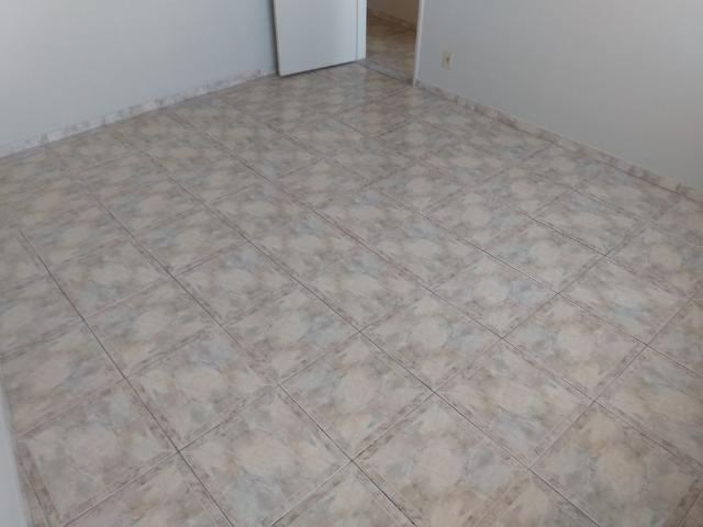 Vendo Vila da Penha apartamento 2 qts sem elevador vaga na escritura - Foto 7