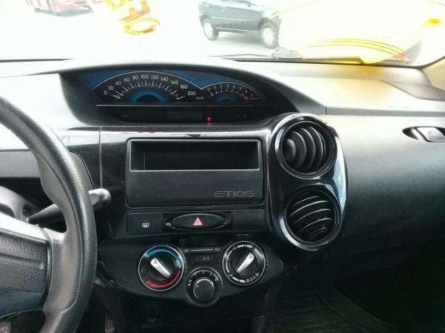 Toyota Etios X 1.3 FLEX 16V 5P Mec 2015 - Foto 6