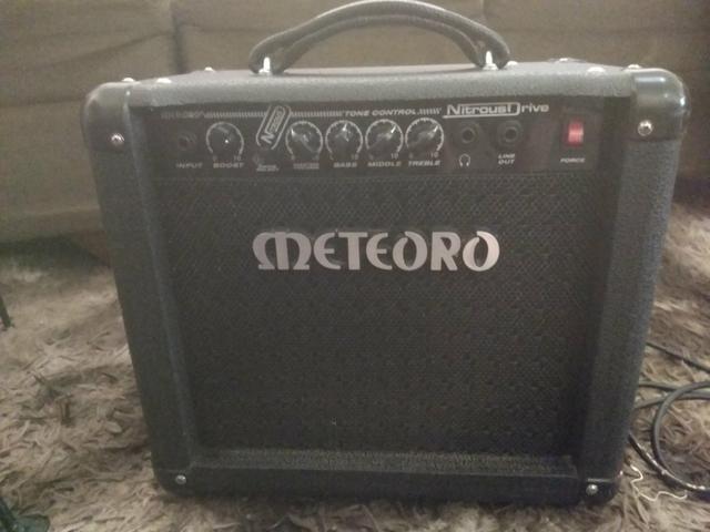 Cubo/amplificador para guitarra