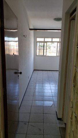 Apartamento para aluguel com 64 metros quadrados com 3 quartos em Benfica - Fortaleza - CE - Foto 4