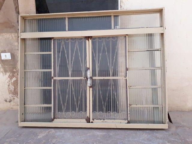3 janelas por 500,00  medida 1,50 altura x por 1,20 L . Passo cartão  - Foto 3
