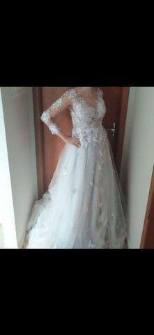 Vendo vestido de noiva.