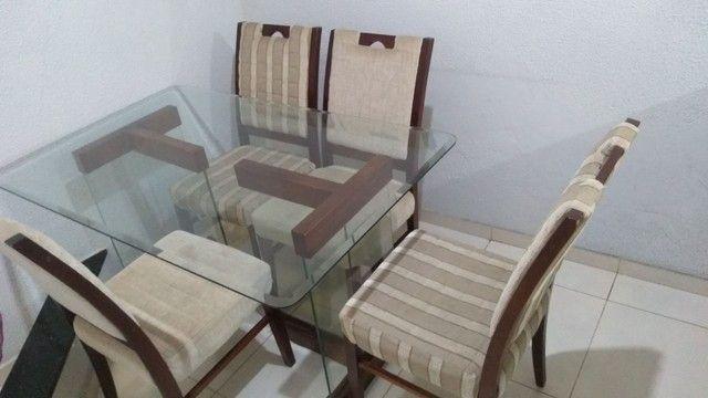 Mesa com 4 cadeiras bem conservada - Foto 3