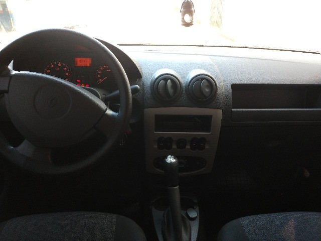 Renault Logan EXP 1.6 - Foto 2