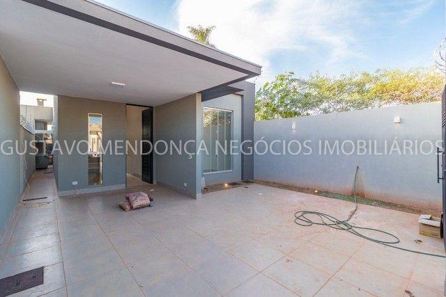 Belíssima casa-térrea no Rita Vieira 1 - Alto padrão de acabamento!! - Foto 2