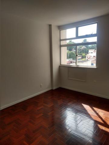 Apartamento quadra praia, Rua Mariz e Barros - Foto 3