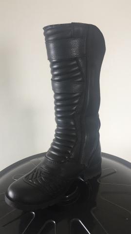 1ccb6b80154 Bota Motociclista Feminina Em Couro Refletivo Atron Shoes tamanho 34 ...