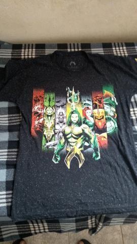 Vendo camisa do Aquaman