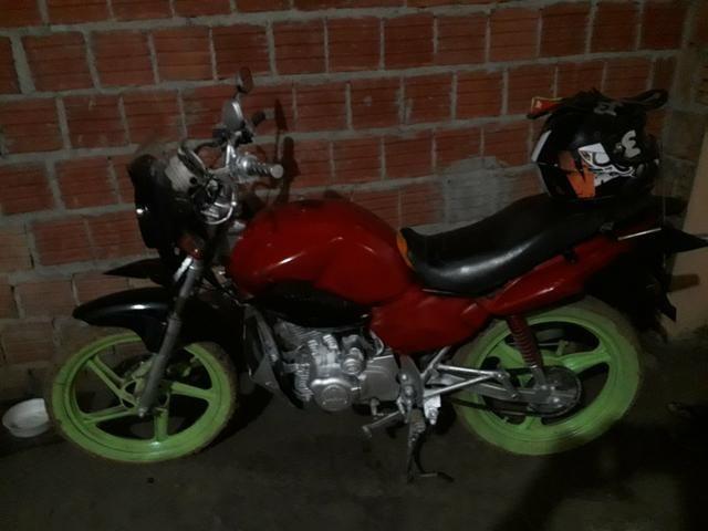 Vendo moto 1900.00 dafra negócio por carro