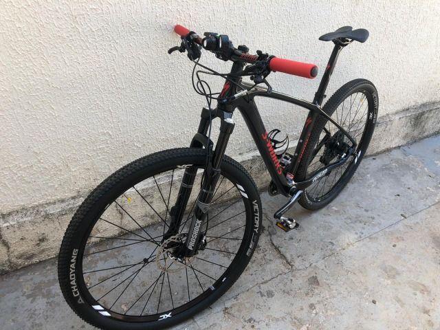 Bicicleta MTB Carbono aro 29