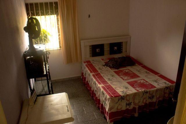 Quartos em casa mobiliada, cond. fechado na Paralela - Unijorge, Cab e metrô - Foto 7