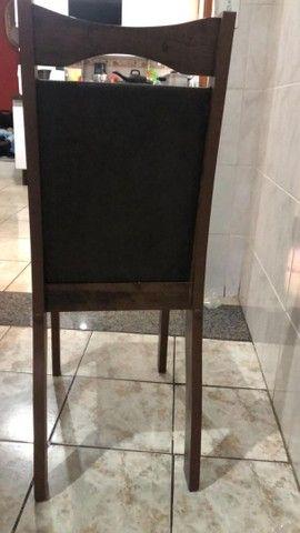Vende-se mesa com 8 cadeiras - Foto 4