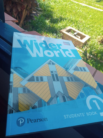 Livro de inglês wider world - Foto 2