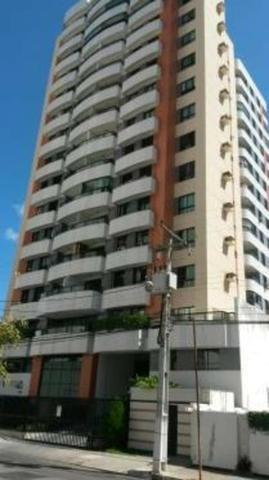 Apartamento com 3/4, no Jardins - cond. Victoria Tower