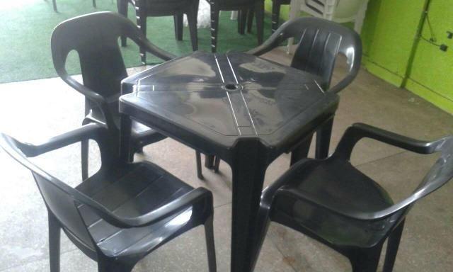 Mesa e cadeiras bistrô