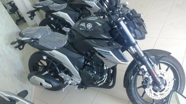 MOTO FAZER 250cc/ Nova