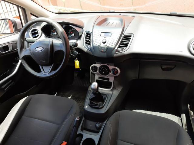 New Fiesta Hatch 1.5 SE * 2014 - Foto 17