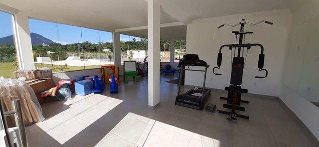 O Condomínio Dom Village Residencial está imperdível e fica próximo do Centro de Maricá - Foto 16