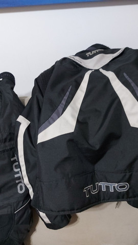 Jaqueta e calça  Motociclista DESCONTO 70 REAIS ATÉ  12 de maio 2021.
