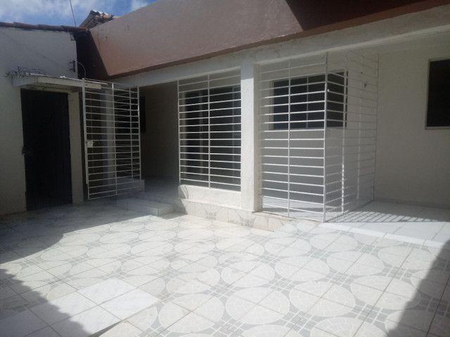 Vendo casa de 3 quartos Rio doce - Foto 2