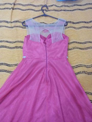 Vestido de gala rosa todo a tule com estras na cintura e renda com tule em cima  - Foto 4