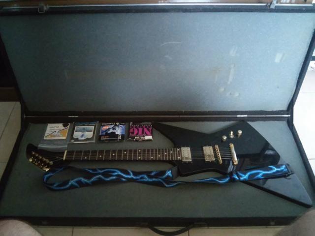 Guitarra de Luthier Explorer