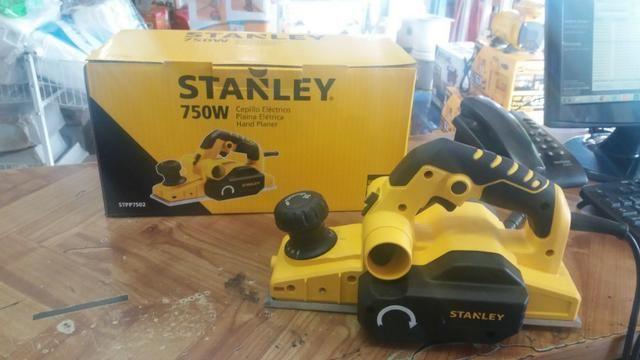 Plaina eletrica stanley 750w R$450,00 a vista novo sem uso com garantia - Foto 4