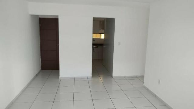 Apartamento em Nova Parnamirim, 3 quartos. Av. Abel Cabral. - Foto 2