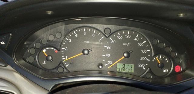 Focus Ghia Sedan 2001 - Foto 5