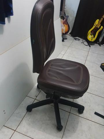 Cadeira de escritório nova - Foto 2