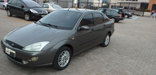 Focus Ghia Sedan 2001